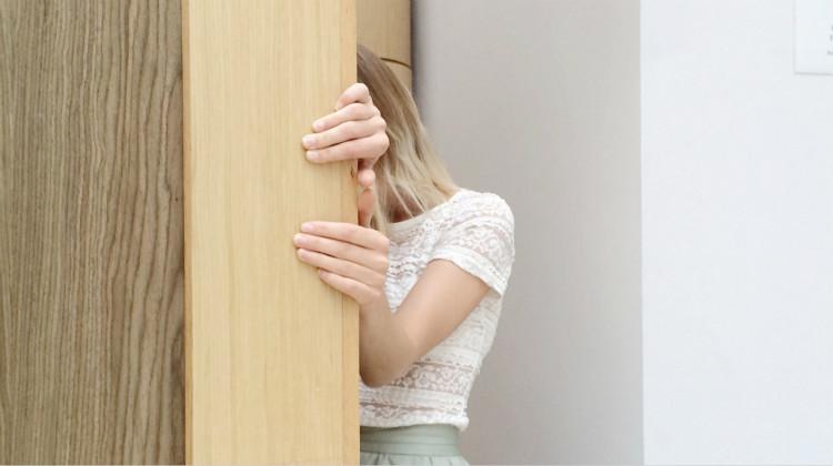 被压力吞噬的年轻人,你该如何找到自己的出路?丨心理压力测试